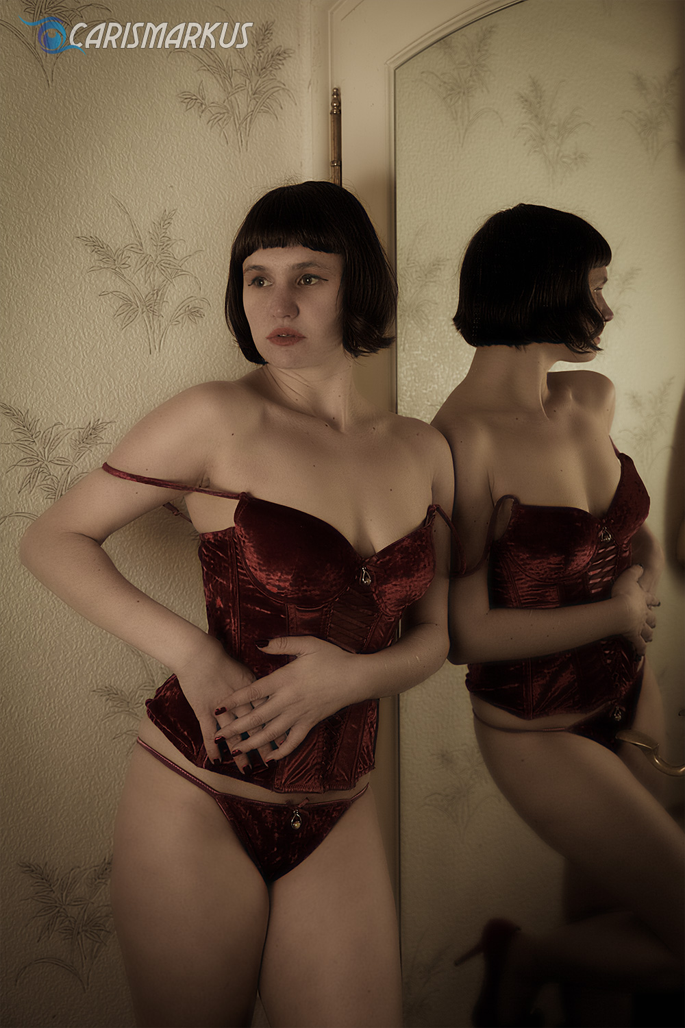 Red Dessous III